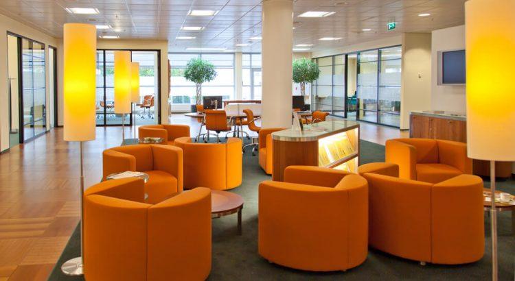 Iluminação do escritório: como iluminar o ambiente de trabalho?